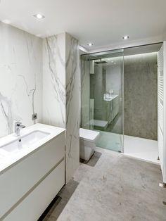 Dónde colocar los puntos de luz en el baño Minimal Bathroom, Modern Bathroom Design, Small Bathroom, Bad Inspiration, Bathroom Inspiration, Dream Bathrooms, Amazing Bathrooms, Bathroom Layout, Bathroom Ideas