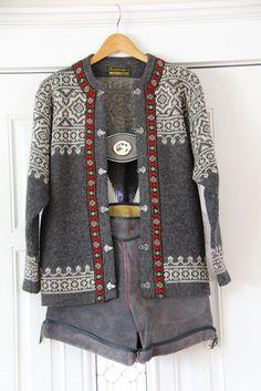 Nordstrikk Wool Sweater << knitting sweater norwegian scandinavian grey white braid clasps colourwork