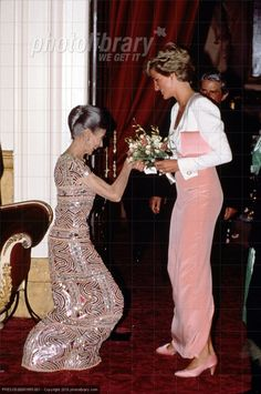 Gala Tribute  Margot Fonteyn à  the Opera House, Covent Garden _ & _ PRINCESS DIANA à  EDINBURGH