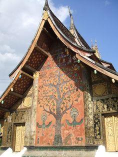 Le Wat Xieng Thong - le monastère de la ville dorée Luang Prabang. (Photo prise par Takawindsky).