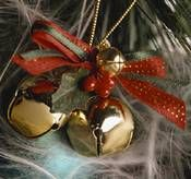 Homemade jingle bell wreath ornament, and a smaller jingle bells ornament, to make yourself for Christmas.