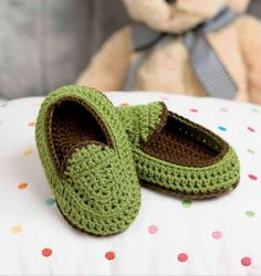 Crocheted Child's House Shoe Slipper (This ones in English) with graphs also.