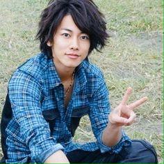 Twitter Takeru Sato, Gackt, Rurouni Kenshin, Cute Korean Boys, Happy Boy, Asian Actors, Hyde, Character Inspiration, Actors & Actresses