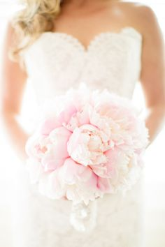 Soft pink peonies.   Photography: Kelly Dillon Photography - www.kellydillonphoto.com
