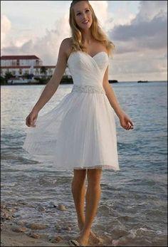Really cute wedding dress, although I'd add halter straps