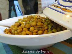 Tajine de garbanzos Cilantro, Chana Masala, Ethnic Recipes, Food, Chickpeas, Stir Fry, Spice, Cooking, Vegan