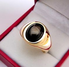 Black Sapphire, Star Sapphire, Yellow Gold Rings, White Gold, Types Of Gold, Black Star, Gemstone Colors, All The Colors, Stars