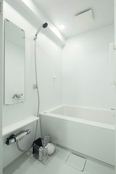 MUJI×UR 団地リノベーションプロジェクト MUJI×UR Plan 13 | 無印良品の家 Deep Bathtub, Japanese Bathroom, Muji, Interior Architecture, Countertops, Flooring, How To Plan, Modern, House