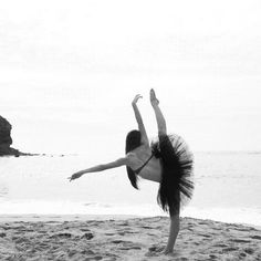 I need to take a beach dance pic next year at nationals :) Dance Picture Poses, Dance Photo Shoot, Dance Photos, Dance Pictures, Beach Pictures, Beach Pics, Dancer Senior Pictures, Ballet Pictures, Ballet Photography