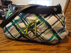 Thirty one Suite success purse in sea plaid with seaweed embroidery.  www.mythirtyone.com/322454