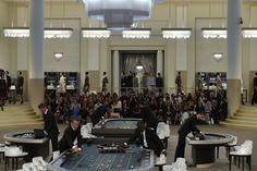 Pin for Later: Die 13 atemberaubendsten Chanel Modenschauen aller Zeiten