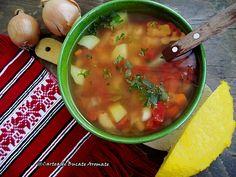 Ciorbă simplă de legume | Bucate Aromate Romanian Food, Cheeseburger Chowder, Cooking Recipes, Ethnic Recipes, Chef Recipes, Cooking, Recipes