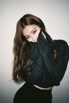 Find images and videos about kpop, rose and blackpink on We Heart It - the app to get lost in what you love. Kim Jennie, Kpop Girl Groups, Korean Girl Groups, Kpop Girls, Black Pink ジス, Oppa Gangnam Style, Ft Tumblr, Rose Park, Blackpink Photos