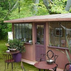 Diverted from their original function, shelters and garden huts become real little houses, guest rooms, offices, country houses or secret gardens … Source by mariehlnelebeul Cabins In The Woods, House In The Woods, Garden Structures, Outdoor Structures, Garden Huts, Tiny House Cabin, Cottage House, Garden Studio, Garden Office