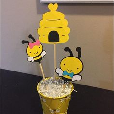 What Will it Bee Centerpiece - Gender Reveal Party - What Will it Bee Centerpiece - Bee themed Baby Shower (cutouts on stick only) - Biene Baby Shower Themes, Baby Shower Gifts, Juegos Baby, Bee Gender Reveal, Bumble Bee Birthday, Unisex Baby Shower, Mommy To Bee, Gender Party, Bee Party