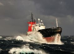 Stormy Weather South of Capetown, par Jan Berghuis Merchant Navy, Merchant Marine, Sea State, Rogue Wave, Offshore Boats, Wild Waters, Big Sea, Riders On The Storm, Stormy Sea
