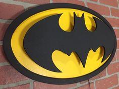 Batman Logo, Superhero Logos, Wood Crafts, Diy And Crafts, Batman Bedroom, Upscale Furniture, Joey Lawrence, Nananana Batman, Light Wall Art