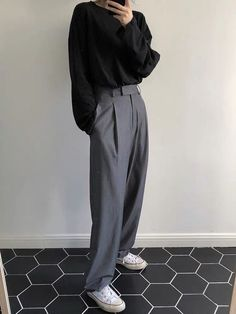 Korean Fashion Styles 580190364483014538 - Comfortable Loose Grey Empire Suit Pants Source by lbenoitcolin Korean Outfits, Mode Outfits, Casual Outfits, Fashion Outfits, Party Fashion, Fall Outfits, Fashion Shoes, Fashion Jewelry, Unisex Outfits