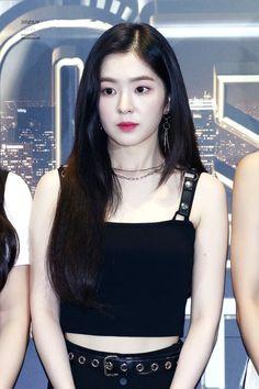 Rapper, Mode Ulzzang, Red Velvet Irene, Kpop Outfits, Seulgi, Korean Beauty, Korean Girl Groups, Kpop Girls, Asian Girl