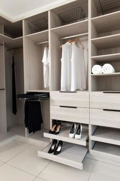 Walk In Closet Organization Diy Shoes Wardrobes 47 Trendy Ideas Walk In Robe Designs, Walk In Wardrobe Design, Bedroom Closet Design, Master Bedroom Closet, Closet Designs, Walking Closet, Diy Wardrobe, Bedroom Wardrobe, Shoe Storage Wardrobe