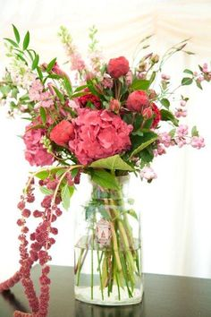 Love the flowers and style of the bouquet