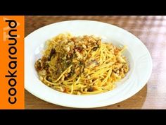 Pasta con le sarde - YouTube Pasta, Spaghetti, Ethnic Recipes, Youtube, Food, Essen, Meals, Youtubers, Yemek
