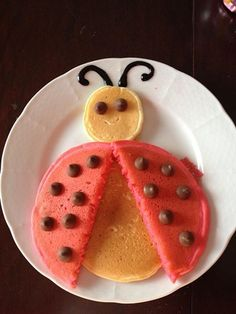 lady bug pancakes - you could use watermelon too Cute Snacks, Cute Food, Good Food, Yummy Food, Breakfast For Kids, Best Breakfast, Pancake Designs, Pancake Art, Food Art For Kids