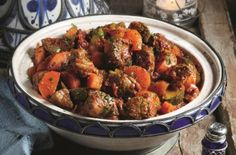 Slimming World's lamb tagine recipe - goodtoknow For Veggie option you can add: 1 tin of tomato, chickpea, butter bean, handful of apricots, 1 aubergine diced Quorn meatballs/chicken Lamb Tagine Recipe, Tagine Recipes, Lamb Recipes, Slow Cooker Recipes, Chicken Recipes, Dinner Recipes, Cooking Recipes, Healthy Recipes, Coke Chicken