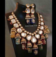 Kundan Jewellery Set, Indian Jewelry Earrings, Indian Jewelry Sets, Fancy Jewellery, Jewelry Design Earrings, Indian Wedding Jewelry, Kundan Set, Big Jewelry, India Jewelry