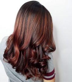 15 Mahogany Hair Color Shades You Have to See Hair Color Streaks, Hair Color Shades, Hair Color Highlights, Red Hair Color, Hair Color Balayage, Peekaboo Highlights, Copper Highlights, Dark Auburn Hair, Dark Red Hair
