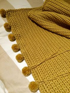 ♥ Autumn Pompom Blanket  ♥     If you are after a big, warm and very snuggly blanket then this is the one for you !   The finished blan...