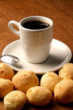 Existe no mundo algo mais delicioso e brasileiro do que Café com Pão de Queijo??? ! @bwforever