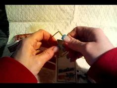 How to SAFELY take a mouse trap apart, so that you can alter it into something pretty. (like a little note/photo holder/display) Mouse Trap Diy, Mouse Traps, Altered Boxes, Altered Art, Clipboard Art, Trap Art, Rat Traps, Try To Remember, Alters