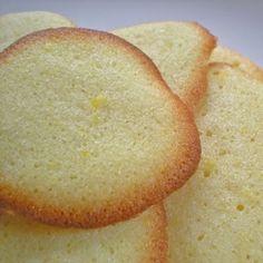 150g de manteiga sem sal em temperatura ambiente  3/4 de xícara de açúcar de confeiteiro  2 colheres (sopa) de suco de limão  1 colher (so...