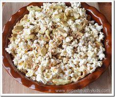 apple pie popcorn snack (healthy for kids - whole grain, antioxidants, high fiber, low calories)