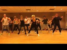 """CAN YOU DO THIS"" Aloe Blacc - Dance Fitness Workout Valeo Club - YouTube Fun Workouts, At Home Workouts, Workout Exercises, Zumba Songs, Dance Fitness, Dance Videos, Total Body, Aloe, Have Fun"
