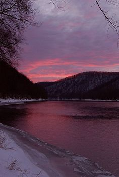 Sunset along the Allegheny River near Warren by visitPA, via Flickr