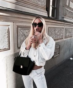 Find images and videos about girl, fashion and style on We Heart It - the app to get lost in what you love. Fashion Poses, Girl Fashion, Fashion Outfits, Fashion Ideas, Lux Fashion, Vogue Fashion, Fashion Clothes, Fashion Brands, Fashion Tips