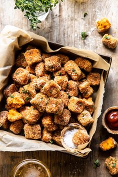 baked sweet potato parmesan tater tots Autumn Appetizer The 30 Most Popular Fall Recipes.I'm including my personal favorites too! New Recipes, Cooking Recipes, Favorite Recipes, Healthy Recipes, Fingers Food, Chicken Fingers, Sweet Potato Skins, Sweet Potato Tater Tots, Crispy Sweet Potato