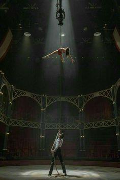 The Greatest Showman, Circus Aesthetic, Hamilton Wallpaper, Live Action Movie, Underwater Photos, Zac Efron, Movie Photo, Zendaya, Great Movies