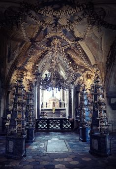 The Bone Chapel in Prague! Not sure why you can be so calm while looking to this, is it deep in my soul I am still afraid of my past?