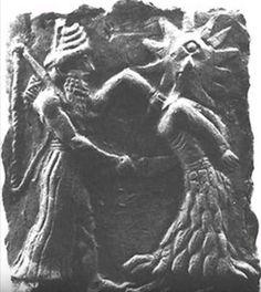 la cananea dea del sole Shapash,,   rappresentata col volto di leone e il terzo occhio,nel bassorilievo viene accoltellata da shamash, suo equivalente maschile. a significare la fine della società matriarcale e l'inizio di quella patriarcale.