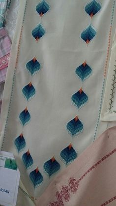 Discover thousands of images about Mihrican Kaya Broderie Bargello, Bargello Needlepoint, Bargello Quilts, Embroidery Stitches, Embroidery Patterns, Hand Embroidery, Knitting Patterns, Cross Stitch Material, Cross Stitch Patterns