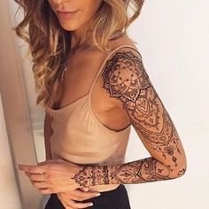 A henna tattoo or also know as temporary tattoos are a hot commodity right now. Somehow, people has considered the fact that henna designs are tattoos. Mehndi Tattoo, Henna Tattoo Muster, Henna Tattoos, Body Art Tattoos, Girl Tattoos, Tribal Tattoos, Henna Mehndi, Henna Tattoo Designs Arm, Henna Art