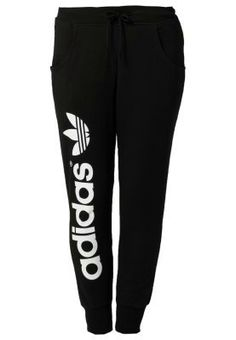 adidas Originals BAGGY - Tracksuit bottoms - Get irresistible discounts up to Off at Adidas using Promo Codes. Sporty Outfits, Athletic Outfits, Winter Outfits, Cute Outfits, Athletic Shoes, Teen Fashion, Fashion Outfits, Fashion Trends, Fashion Women