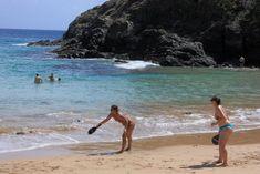 Patrimônio Mundial da Unesco, o arquipélago de Fernando de Noronha é um dos locais mais belos e encantadores do mundo Water, Outdoor, Rainy Season, Places, Travel, Gripe Water, Outdoors, Outdoor Games, The Great Outdoors
