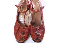 Vintage 1940s Lizard Peep Toe Sling Leather by JFerrariDesigns, $72.00