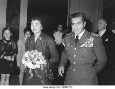 (dpa files) - The Iranian royal couple, Princess Soraya Esfandiary and Shah Reza Pahlavi, arrive at the Hotel Atlantic - Stock Image