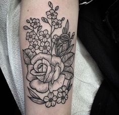 I don't love roses but I like the style of this one