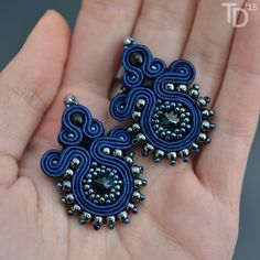 Jewel in the Crowd – Soutache and beaded jewellery Soutache Earrings, Beaded Earrings, Earrings Handmade, Beaded Jewelry, Handmade Jewelry, Jewellery, Soutache Tutorial, Mixed Media Jewelry, Leather Jewelry
